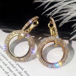 Jewelry - 🆕 Crystal double hoop earrings Gold